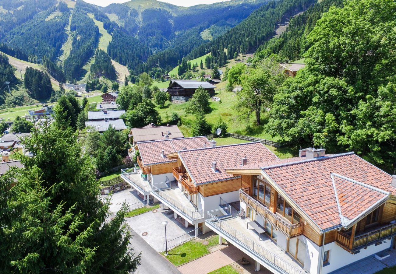 Apartment in Zell am See - Ski Chalet Jim / 300 m from ski lift