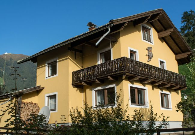 Apartment in Zell am See - Chalet Alpine - Apartment B