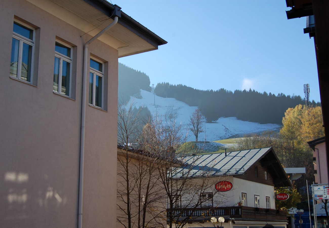 Ferienwohnung in Zell am See - Apartment ZELL CITY - next to ski lift and town