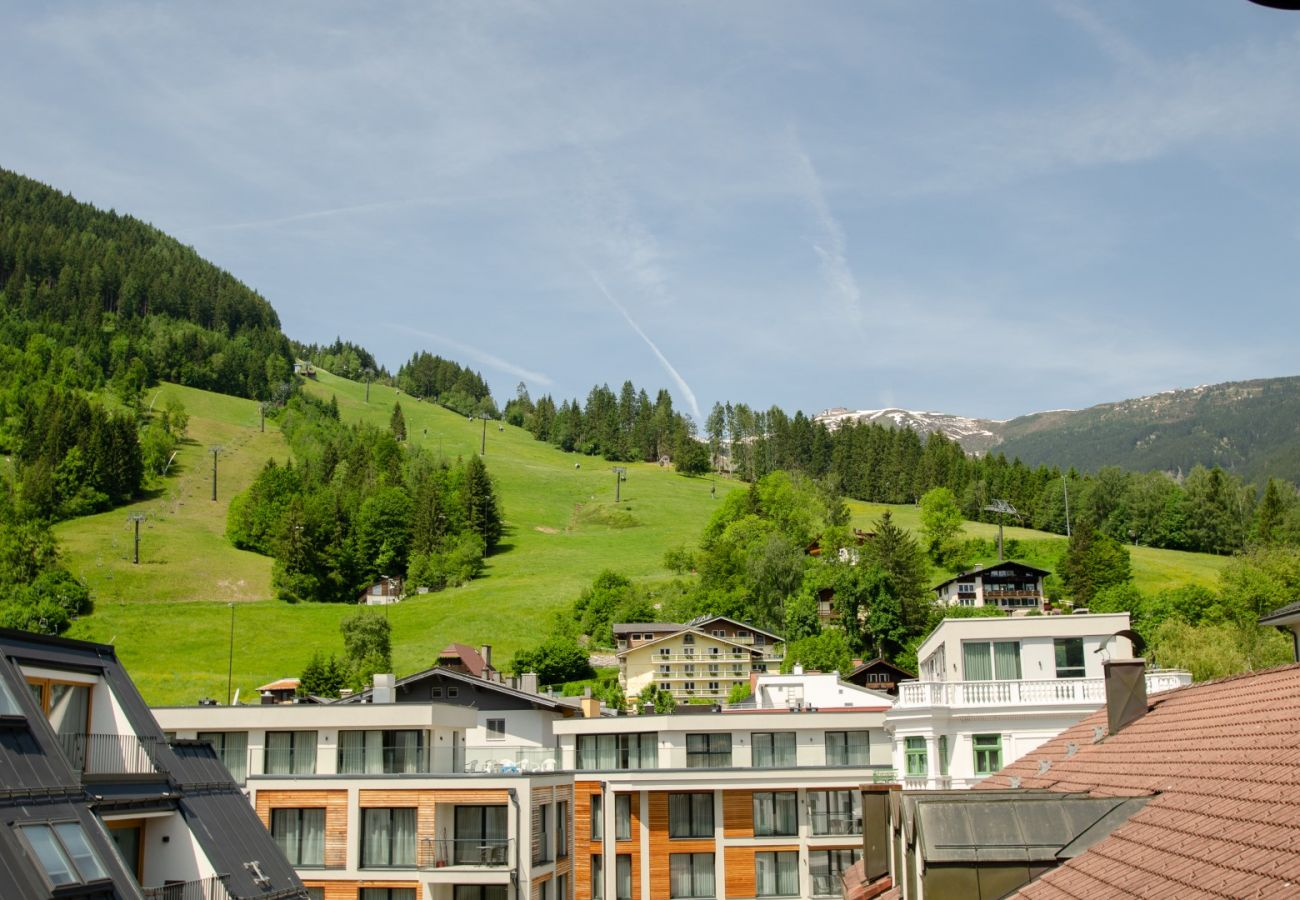 Ferienwohnung in Zell am See - Penthouse Zell City centre - near ski lift & lake