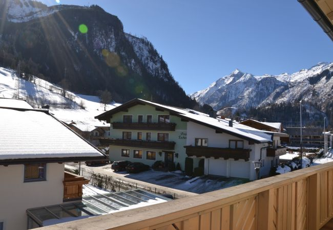 Ferienwohnung in Kaprun - Apartments EDVI B2 - balcony and glacier view