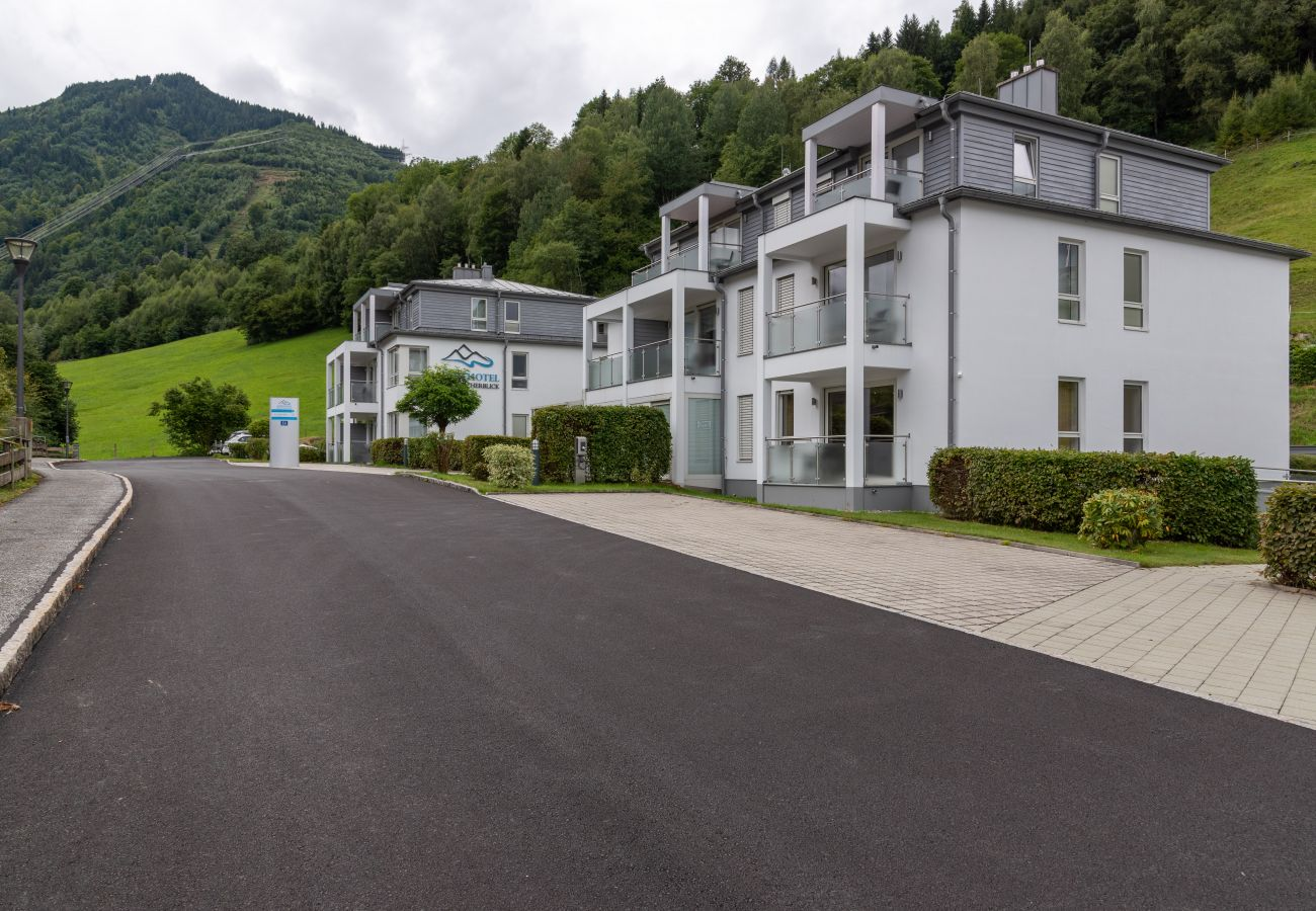 Ferienwohnung in Kaprun - Apartment Glacier View 12.1. with balcony